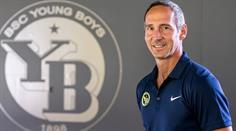 »http://www.fussball.ch/YB+verlaengert+den+Vertrag+mit+Adi+Huetter/699431/detail.htm